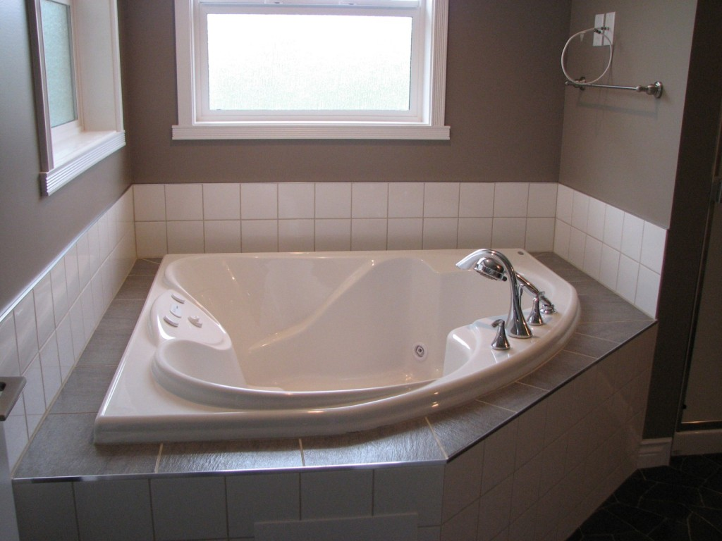 Corner Tub In Ensuite Large Creuzot Homes